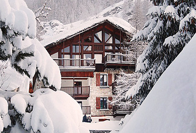 catered skiing and snowboarding chalet in tignes