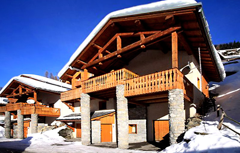 premium ski and snowboard chalets with hot-tub and sauna in tignes